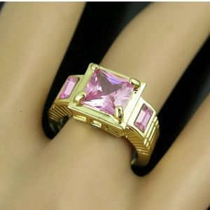 Jewelry - NWOT Gold Tone with Pink Stones Fashion Ring